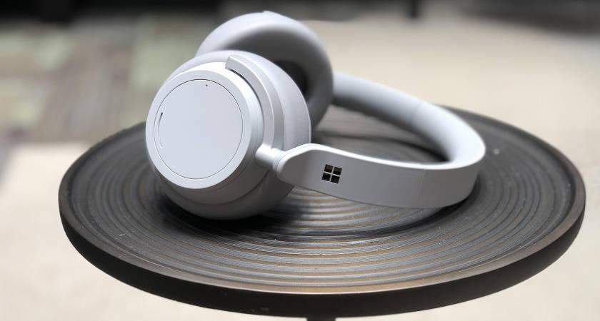 Microsoft сделал скидку на гарнитуру Surface в размере $100