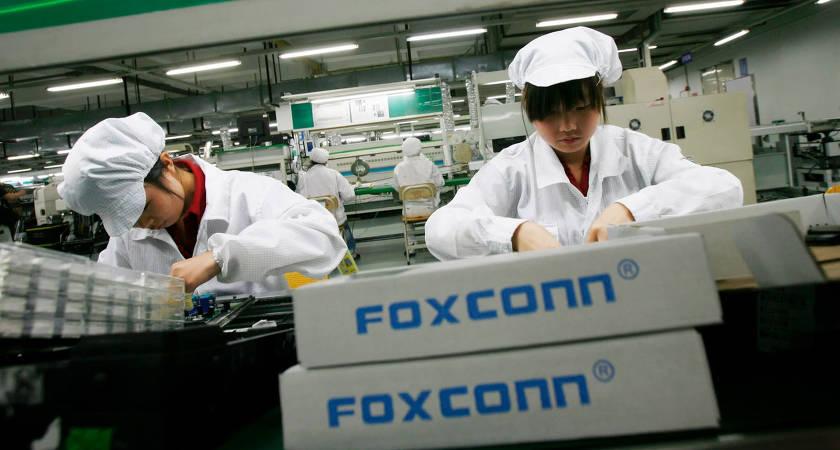 Компания Foxconn отказалась от сборки смартфонов Huawei