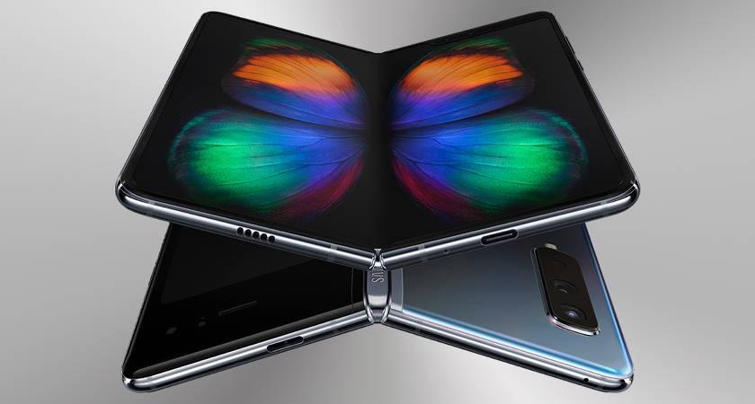 Перезапуск смартфона Galaxy Fold запланирован на июль
