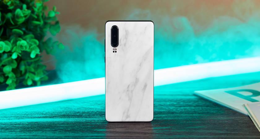 Компания Huawei поделилась планами по продажам P30