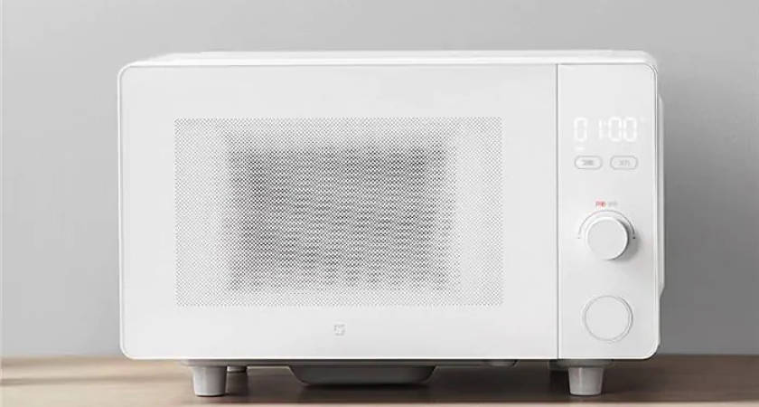 Представлена новая микроволновая печь от Xiaomi с голосовым помощником