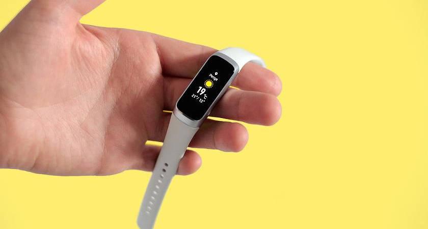 Фитнес-трекер Samsung Galaxy Fit получил интересное обновление