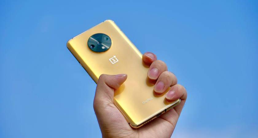 OnePlus выпустила 7T в золотом цвете Metallic Gold