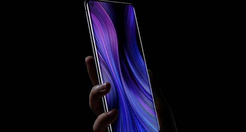 Появились фото Xiaomi Mi 10 с отверстием под фронтальную камеру