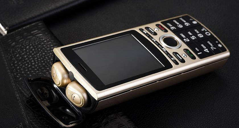 SERVO R25: новый кнопочный телефон с батареей на 6000 мАч за $40