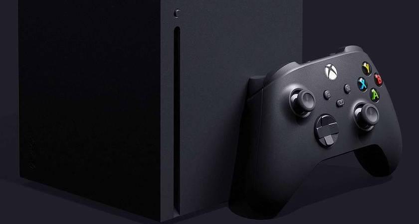 В сети появились живые снимки Xbox Series X