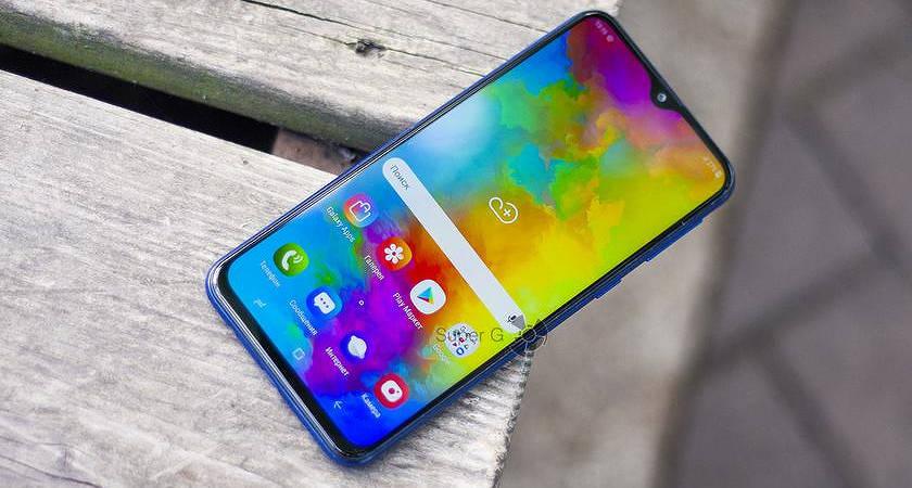 Названа новая флагманская модель смартфона от Motorola!?