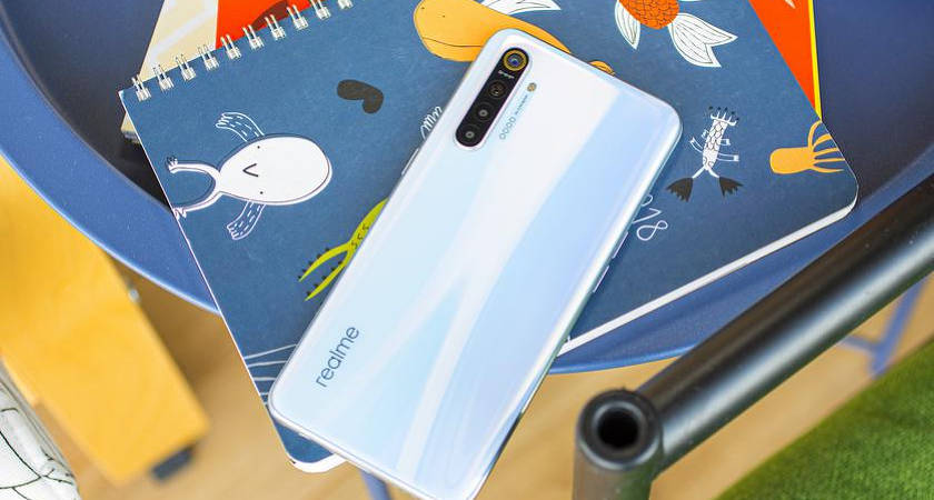 Realme X3 Super Zoom – новый конкурент OnePlus 8 с чипом Snapdragon 855+ и 12 Гб ОЗУ