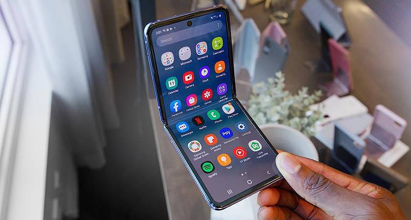 Galaxy Z Flip 5G могут показать еще раньше, чем Z Fold 2