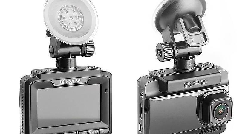 Ruccess LD300 Pro – новый видеорегистратор с камерой заднего вида