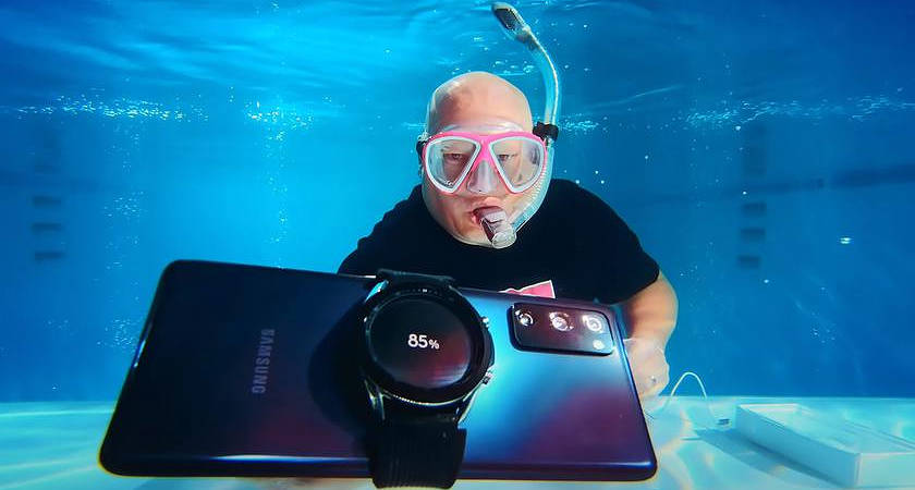 Samsung Galaxy S20 FE проверили на прочность под водой