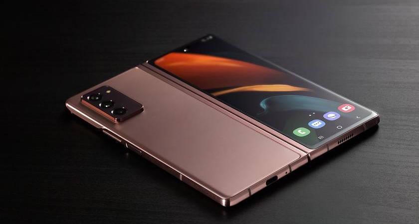 Samsung Galaxy Z Fold 3 может получить фронталку под экраном