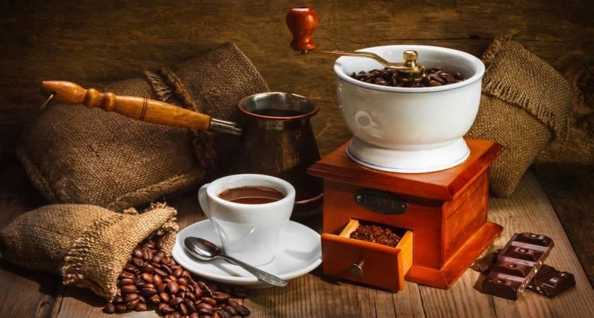 Что лучше кофеварка или кофемашина?