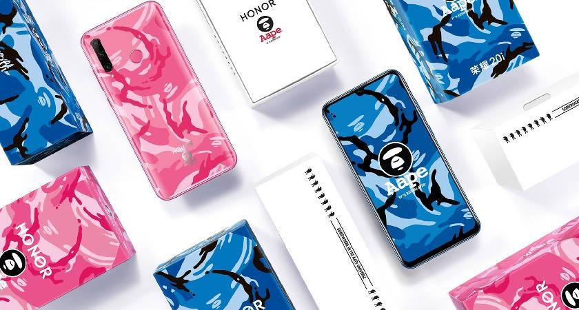 Компания Huawei представила новую версию смартфона 20i для поклонников одежды Aape