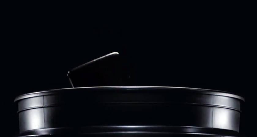 Смартфон OnePlus 7 лишили степени защиты IP, но разрешили купать в ведре